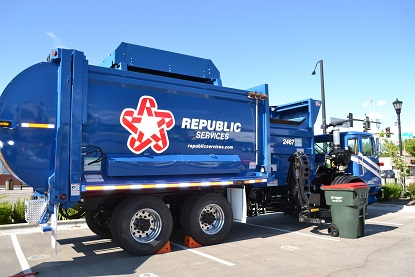 recycling collection truck